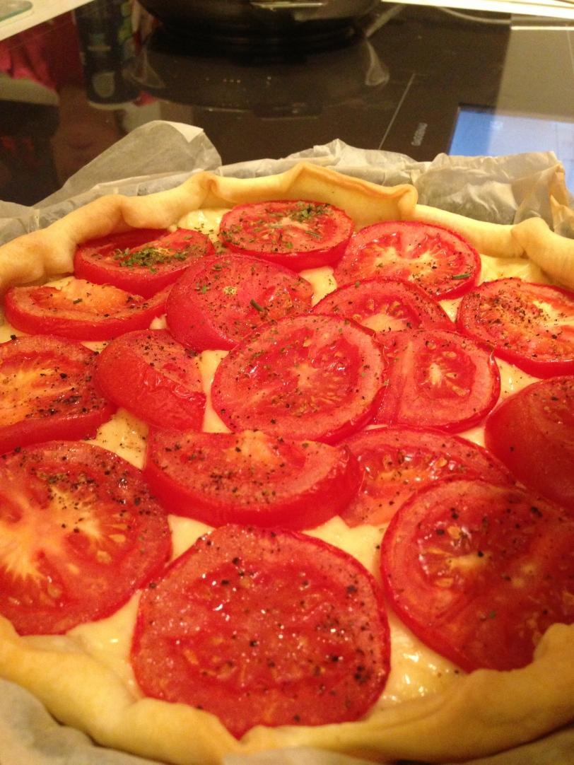 Emmental + tomato tarte